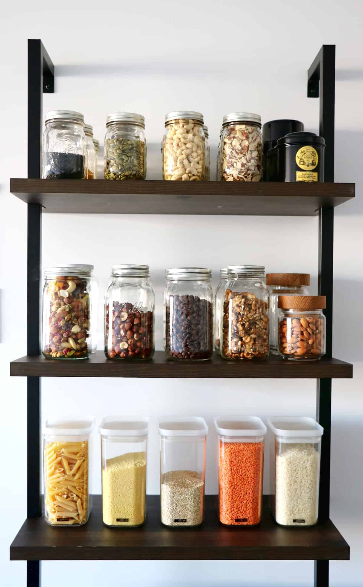 These easy vegetarian pantry recipes are perfect for feeding the whole family or for meal prepping during busy weeks.